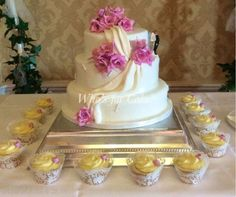 Wedding cake - http://www.adverts.ie/other-home-garden/custom-made-celebration-cakes/4403700