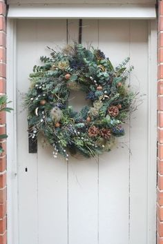 Find the most gorgeous Christmas wreaths here : If you want that divine Christmassy smell of a real wreath, get this gorgeous, luscious, handmade wreath delivered right to your door. Christmas Wreaths To Make, Christmas Door Decorations, Christmas Cactus, Holiday Wreaths, Christmas Diy, Christmas Island, Christmas Vacation, Rustic Christmas, Natural Christmas