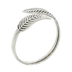 Sterling silver toe ring featuring a single leaf on each end. One Size - Adjustable. Free Shipping Approx. weight 0.57 g Dimensions (WxHxD) 0.59x0.59x0.16 in Jewelry Themes Antique Designs Material An