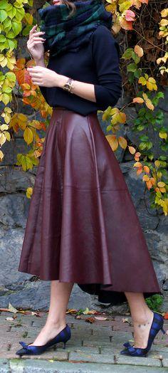 Burgundy Leather Full Midi Skirt by Maritsanbul Full Midi Skirt, Dress Skirt, Midi Skirts, Full Skirts, Lady Like, Look Fashion, Womens Fashion, Street Fashion, Fashion Ideas
