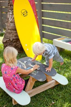 Children's Skateboard Picnic Table #DIY #recycle #upcycle