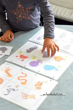 Jeu d'ombres à imprimer et plastifier - enfant bébé loisir Hello! I came across this nice link on an FB group, a game where you have to find the shadows of animals (or objects) - To print and laminate Library Activities, Preschool Activities, Tot School, School Hacks, French Teaching Resources, File Folder Games, Free Frames, Montessori Materials, Activity Centers