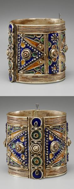 Algeria | Cuff from the Kabyle people | Silver and cloisonne enamel | 19th century