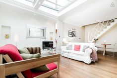 Cute little 2 Bed Cottage in Hampstead, London.