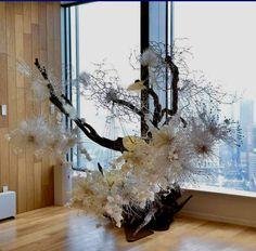 Sogetsu Ikebana, Chandelier, Ceiling Lights, Wreaths, Lighting, Home Decor, Candelabra, Decoration Home, Door Wreaths