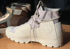 A-Cold-Wall Converse 2019 Collection Release Date - Sneaker Bar Detroit Mode Converse, Converse Boots, New Converse, Sneakers Mode, Timberland Boots, Converse Chuck Taylor, Sneakers Fashion, White Converse Outfits, Men's Shoes