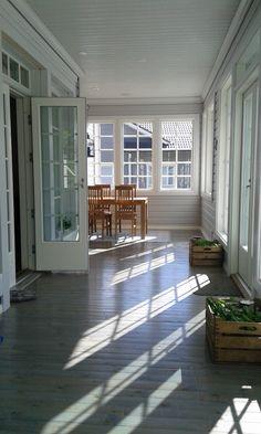 Kokonaan lasitettu terassi. Windows, Home, Ad Home, Homes, Haus, Ramen, Window, Houses