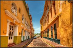 Cartagena, Colombia - Cartagena has many yellow bulidings. This one is a fine example. Very typical of Cartagena - Photo by Pedro Szekely © Puerto Morelos, Most Romantic Places, Beautiful Places, Beautiful Streets, Cancun, Ecuador, Resorts, Lightroom, Earth Photos