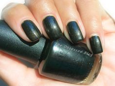 @opiproducts OPI Queen of the Road - Ford Mustang Collection Limited Edition - Ruffian Reverse French mani