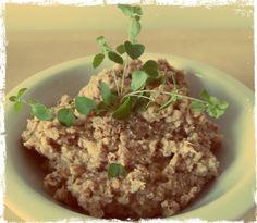 Wegańska edukacja Nipaqui: Gryczana pasta do chleba z cebulą - mini seria gryczana