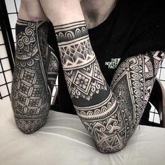 Artist of the month: jack peppiette blackwork tattoo tattoos Geometric Sleeve Tattoo, Geometric Tattoo Design, Best Sleeve Tattoos, Leg Tattoos, Body Art Tattoos, Tribal Tattoos, Mandala Design, Tribal Sleeve, Irezumi Tattoos