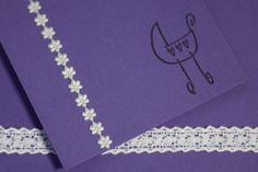 snygga-kort-vykort-dop-dopkort-inbjudan-lila-spets-baby-papper-papperspyssel-pyssel-scrapbooking-inspiration
