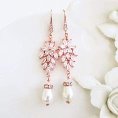 Romantic Leaf Dangle Earrin...