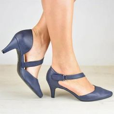 2019 New Style Buckle Sandals - gifthershoes Flat Lace Up Shoes, Leather Sandals Flat, Flat Sandals, Oxford Shoes Heels, Women Oxford Shoes, Shoes Women, Casual Heels, Low Heels, Chunky Heel Pumps