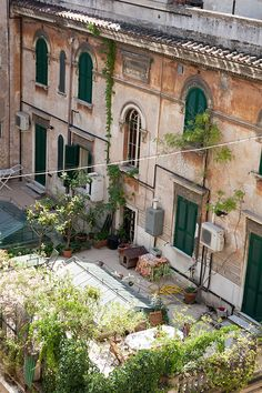 Helena La Petite: Our Rome Apartment