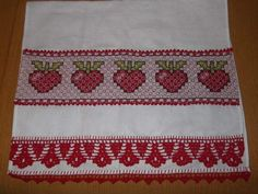 Bordado Tipo Chicken Scratch, Chicken Scratch Embroidery, Labor, Ravelry, Bohemian Rug, Diy Crafts, Quilts, Fabric, Mousse