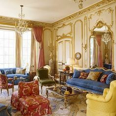 A newly built twenty-room townhouse in Atlanta with interiors completed with an elegant French design by interior designer Brian McCarthy. Classic Home Decor, Elegant Home Decor, Elegant Homes, Classic House, Luxury Homes Interior, Luxury Home Decor, Interior Design, French Design Interiors, French Interior