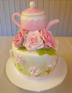 Teapot cake and roses
