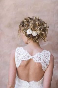 Bridal Hairstyles for Curly Hair