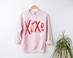 Sweatshirt Outfit, Crew Neck Sweatshirt, Graphic Sweatshirt, Christmas Shirts, Christmas Sweaters, Kids Outfits, Casual Outfits, Cute Sweatshirts, Shirts With Sayings