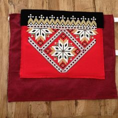 Bilderesultat for bringeduker til bunad Hardanger Embroidery, Design Research, Luxury Interior Design, Norway, Folk, Projects To Try, Traditional, Beads, Dots