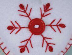 Fieltro adornos de Navidad corazón hecho a mano por PuffinPatchwork
