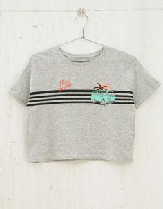 Camiseta BSK cropped estampada - Camisetas - Bershka Colombia