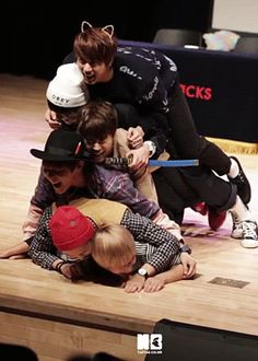 open your rice - BTS dog pile