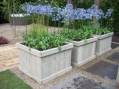Afbeeldingsresultaat voor bloembakken planten hout tuin