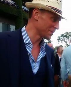 Tom Hiddleston at Wimbledon. Source: http://wendy7777.tumblr.com/. (Full size: http://i.imgbox.com/M963icXW.jpg)