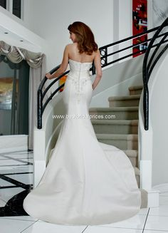 Style 8463 » Wedding Gowns » DaVinci Bridal » Available Colours : Ivory, White (back)