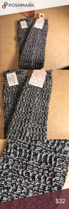 Free People leg warmers. Blk+Wht One Size 👢👢👢👢 Free People NWT leg warmers. Black and white pattern one size. 25 inches long. Small ruffle on bottom very chic. 100% acrylic Free People Accessories Hosiery & Socks