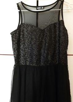 Kup mój przedmiot na #vintedpl http://www.vinted.pl/damska-odziez/sukienki-wieczorowe/13023849-czarna-sukienka-sinsay-m