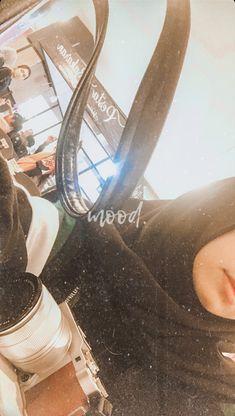 Aesthetic Photo, Aesthetic Girl, Aesthetic Pictures, Teenage Girl Photography, Tumblr Photography, Hijabi Girl, Girl Hijab, Ideal Girl, Airport Photos