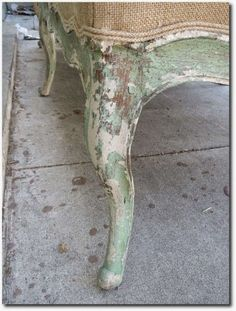 Stiltskin Studios: Put Down the Sandpaper Painted furniture ideas with authentically aged chippy weathered paint finishes are beautiful and take a skilled artisans eye to replicate. Chalk Paint Furniture, Furniture Projects, Furniture Makeover, Diy Furniture, Furniture Design, Weathered Paint, Painted Chairs, Distressed Furniture, Paint Finishes