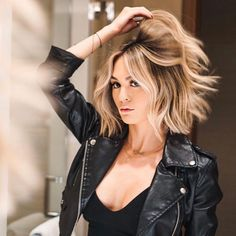 Hot Shot Warm Balayage Finalists 2019 - Makeup İdeas For Beginners Medium Hair Styles, Curly Hair Styles, Hair Medium, Brown Blonde Hair, Blonde Honey, Blonde Hair Makeup, Hair Highlights, Bob With Highlights, Color Highlights