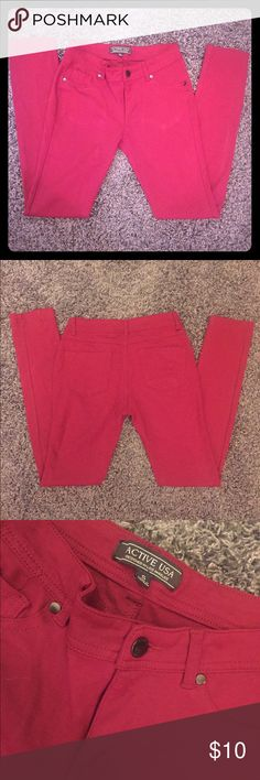 Red Jeggings Great pair of red jeggings. Very comfortable! Perfect to pair with any shirt and in great condition. Pants Skinny