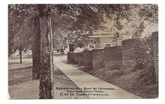 http://www.ebay.com/itm/Serpentine-Wall-University-Of-Virginia-Charlottesville-Unposted-Vintage-Postcard-/321669824213?pt=Postcards_US