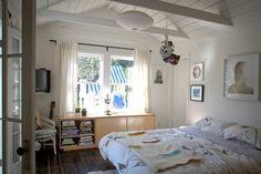 Wendy  Gavin's Bright White Cottage