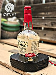 Rustikale Schreibtischlampe Makers Mark Reclaimed wood Source by larsheyenga