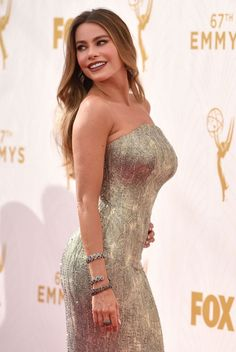 yahoo-style-br-international:      A atriz Sofia Vergara no 67° Annual Primetime Emmy Awards, realizado no Microsoft Theater em Los Angeles, Estados Unidos, no dia 20 de setembro.   (Foto: John Shear