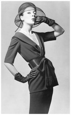 1959 nina ricci by louis astre