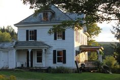 Pretty old farm house.. Wish my farm house was that big and looked that pretty..