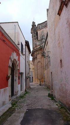 Colorful street details in Nardo.