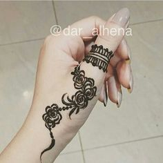 The Roses hand thumb Pretty Henna Designs, Finger Henna Designs, Best Mehndi Designs, Henna Designs Easy, Beautiful Mehndi Design, Arte Mehndi, Mehndi Desing, Mehndi Art, Henna Mehndi