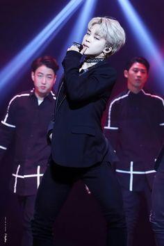 Jimin ❤ BTS at the 2016 KBS Gayo Daechukje (161229) #BTS #방탄소년단