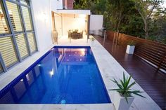 Pictures gallery of small yard swimming pool ideas Landscaping Ideas for Small Yards Garden Guides Landscaping Ideas . Swimming Pool House, Small Swimming Pools, My Pool, Swimming Pool Designs, Lap Pools, Interior Minimalista, Modern Minimalist House, Minimalist Interior, Modern Garden Design