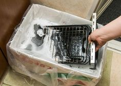 """360.life - 油でギトギトのコンロは""""漂白剤""""で掃除するのが正解でした Toaster, Clean Up, Diy And Crafts, Container, Kitchen Appliances, Food, Home Decor, Cooking Utensils, Home Appliances"""