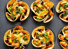 Ultimate Party Food To Please The Crowd - http://www.lovesimplecooking.com/ultimate-party-food-to-please-the-crowd/