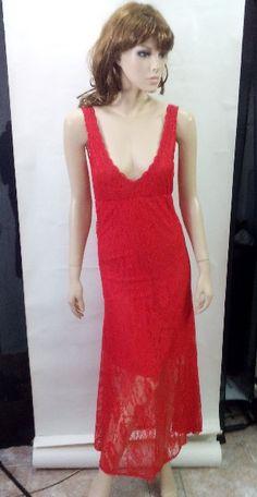 Vestido largo rojo de encaje con escote pos solo 29.90€